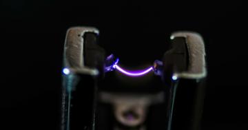 Das Lichtbogen Feuerzeug im Test