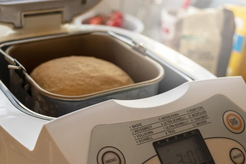 Der Brotbackautomat im Einsatz