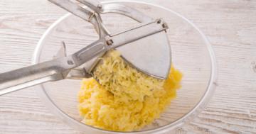Die Kartoffelpresse im Einsatz