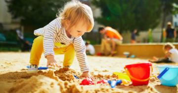 Der große Sandkasten mit Dach Test