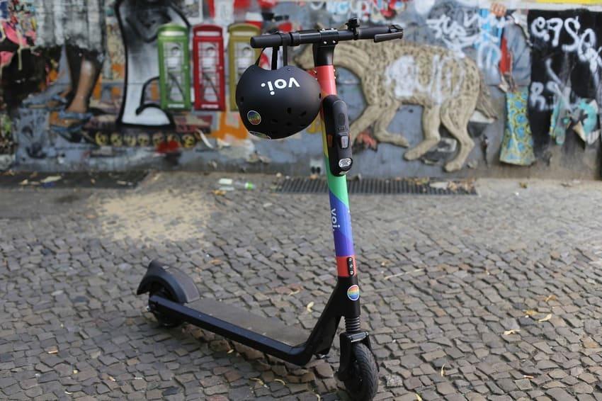 Ein E-Scooter mit einer ABE