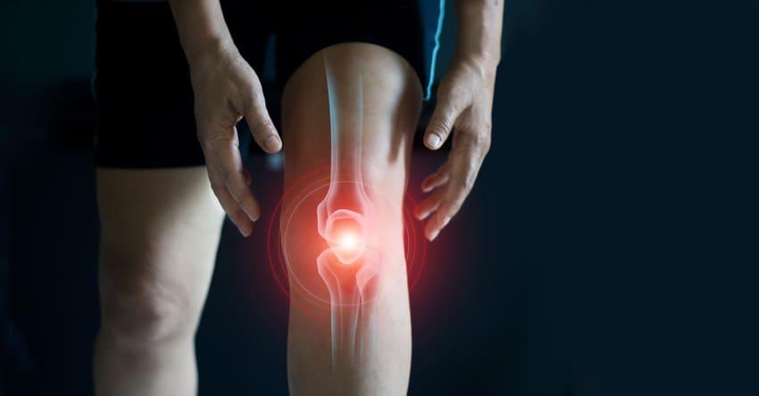 Ein Venenkissen hilft bei Knieschmerzen