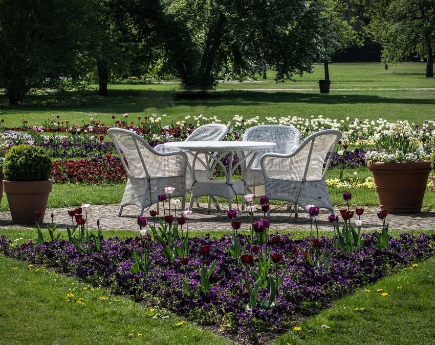 Hier wurden verschiedene Gartenmöbel getestet